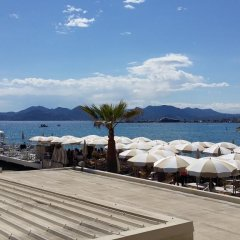 Отель Azur Cannes Le Romanesque Франция, Канны - отзывы, цены и фото номеров - забронировать отель Azur Cannes Le Romanesque онлайн пляж