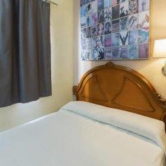 Отель Málaga Inn 2* Стандартный номер с различными типами кроватей (общая ванная комната)