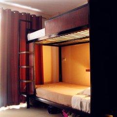 Dengba Hostel Phuket Кровать в общем номере с двухъярусной кроватью фото 3