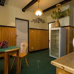 Отель Willa Marysieńka Номер с общей ванной комнатой фото 2