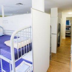 Отель Bunk Backpackers Кровать в общем номере с двухъярусной кроватью фото 17