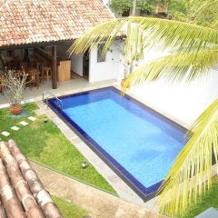 Отель Surf Villa Шри-Ланка, Хиккадува - отзывы, цены и фото номеров - забронировать отель Surf Villa онлайн бассейн фото 3