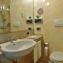 Hotel Tiffany Milano Треццано-суль-Навиглио ванная