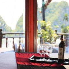 Отель Halong Paloma Cruise 4* Представительский люкс с различными типами кроватей фото 3