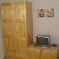 Отель Plamena Guest Rooms Болгария, Карджали - отзывы, цены и фото номеров - забронировать отель Plamena Guest Rooms онлайн удобства в номере