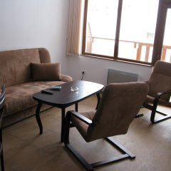 Апартаменты Krasi Apartments in Zornitsa Complex Чепеларе комната для гостей фото 3