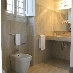 Отель Residenza D'Epoca Palazzo Galletti 2* Улучшенный номер с различными типами кроватей фото 22
