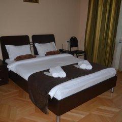 Отель Nitsa сейф в номере