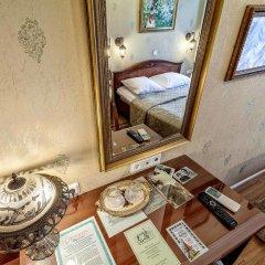 Мини-Отель Серебряный век Улучшенный номер с двуспальной кроватью фото 17
