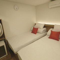 Отель STEP INN Myeongdong 1 3* Номер категории Эконом с различными типами кроватей фото 3