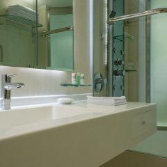 Le Meridien Dubai Hotel & Conference Centre 5* Номер Делюкс с разными типами кроватей