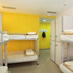 Center Valencia Youth Hostel Кровать в общем номере с двухъярусной кроватью фото 10