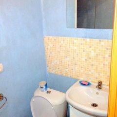 Мини-Отель Друзья Стандартный номер с двуспальной кроватью фото 30