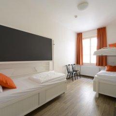 Отель Equity Point Prague Кровать в общем номере с двухъярусной кроватью фото 4