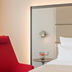 Отель NH Collection Berlin Mitte Am Checkpoint Charlie 4* Улучшенный номер с двуспальной кроватью фото 9