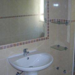 Отель Apartamentos Leziria Португалия, Виламура - отзывы, цены и фото номеров - забронировать отель Apartamentos Leziria онлайн ванная
