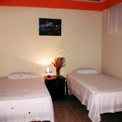 Hotel & Hostal Yaxkin Copan 2* Номер категории Эконом с 2 отдельными кроватями фото 3