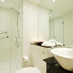 Отель Living by BridgeStreet, Manchester City Centre ванная фото 2
