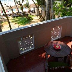 Отель Villa Paradise Хиккадува сейф в номере