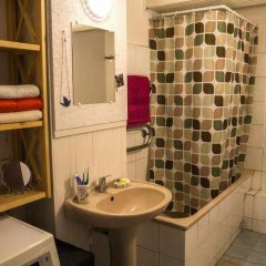Отель Opera House Hostel Centre Литва, Вильнюс - отзывы, цены и фото номеров - забронировать отель Opera House Hostel Centre онлайн ванная фото 2
