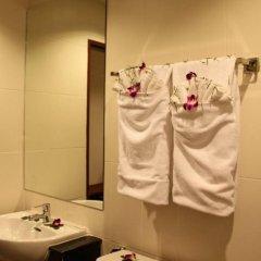 Отель Patong Hemingways 3* Улучшенный номер двуспальная кровать фото 5