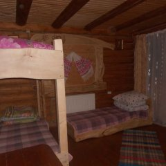 Отель Domik v Gorakh Guest House Поляна комната для гостей
