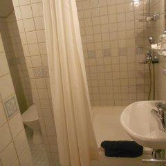 Отель Poska Villa Guesthouse Стандартный номер с 2 отдельными кроватями фото 10
