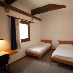 Отель Jan Palach Стандартный номер с 2 отдельными кроватями (общая ванная комната) фото 5