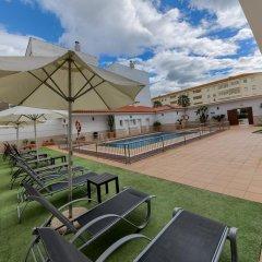 Отель Apartamentos Loto Conil Испания, Кониль-де-ла-Фронтера - отзывы, цены и фото номеров - забронировать отель Apartamentos Loto Conil онлайн бассейн