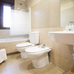 Отель Apartamentos Adelfas ванная
