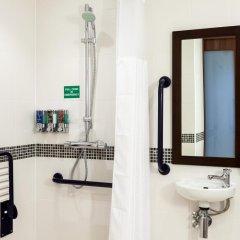 Отель Hampton by Hilton Luton Airport 3* Стандартный номер с различными типами кроватей