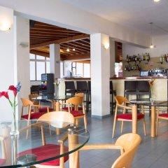 Отель Los Rosales Испания, Форментера - отзывы, цены и фото номеров - забронировать отель Los Rosales онлайн гостиничный бар