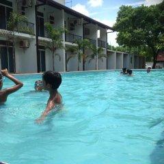 Отель Samwill Holiday Resort Шри-Ланка, Катарагама - отзывы, цены и фото номеров - забронировать отель Samwill Holiday Resort онлайн бассейн фото 2