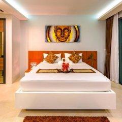 Отель At The Tree Condominium Phuket Номер Делюкс с двуспальной кроватью фото 4