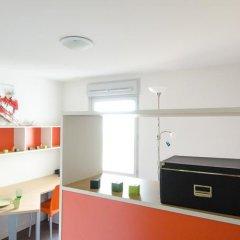 Отель Apparteo Lyon 7 Gerland Франция, Лион - отзывы, цены и фото номеров - забронировать отель Apparteo Lyon 7 Gerland онлайн сейф в номере