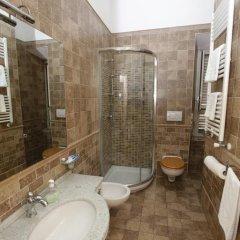 Nika Hostel Кровать в общем номере с двухъярусной кроватью фото 9
