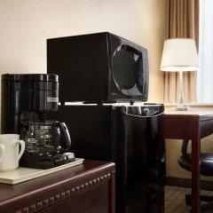 Отель Travelodge by Wyndham Toronto East 2* Стандартный номер с различными типами кроватей