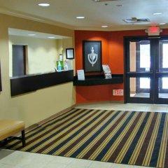 Отель Extended Stay America Elizabeth - Newark Airport США, Элизабет - отзывы, цены и фото номеров - забронировать отель Extended Stay America Elizabeth - Newark Airport онлайн интерьер отеля