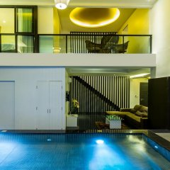 Отель Hamilton Grand Residence бассейн