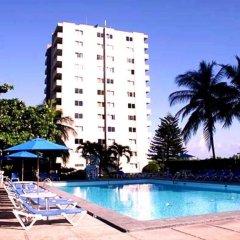 Отель Beach-side condos at Turtle Beach Towers бассейн