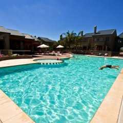 Отель Devonvale Golf & Wine Estate бассейн фото 2