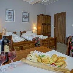 Отель Rezydencja Sienkiewiczówka 3* Стандартный номер с 2 отдельными кроватями