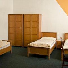 AZ-Hostel Кровать в женском общем номере с двухъярусной кроватью фото 2