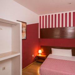 Отель Hostal Abaaly Стандартный номер с различными типами кроватей фото 6
