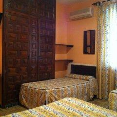 Отель Hostal Paracuellos Стандартный номер с различными типами кроватей фото 5