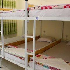 Отель Hoang Nga Guest House 2* Кровать в общем номере с двухъярусной кроватью