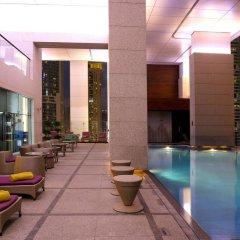 Отель Боннингтон Джумейра Лейкс Тауэрс бассейн