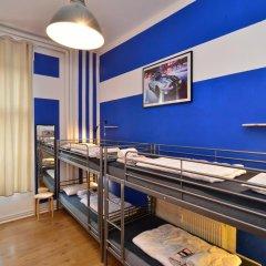 Kiez Hostel Berlin Кровать в мужском общем номере с двухъярусной кроватью фото 4