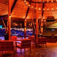 Отель Adaaran Prestige Vadoo гостиничный бар