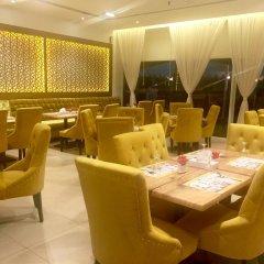 Отель Royal Falcon Дубай питание